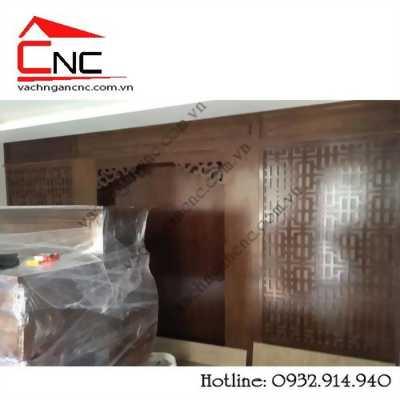 Gò vấp làm vách ngăn phòng bàn thờ, lam cầu thang bằng gỗ