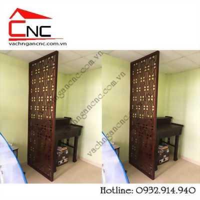 Trang trí vách ngăn cnc gỗ giữa phòng khách và bàn thờ