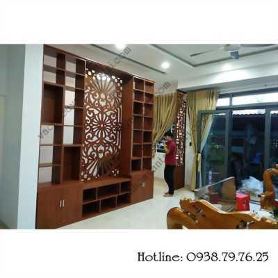 Cầu thang được trang trí bằng vách ngăn gỗ kích thích người nhìn