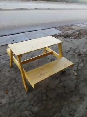 Bàn ghế tầng cafe,trà sữa gỗ thông sơn bóng PU