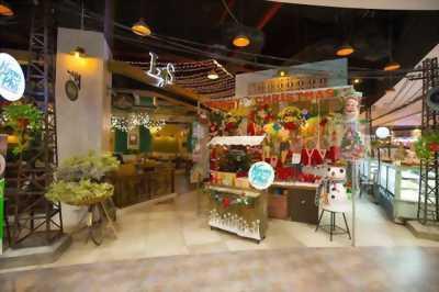 Trang trí noel trang trí giáng sinh quán cafe nhà hàng shop cửa hàng đẹp mắt tại HCM