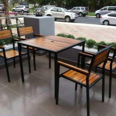 Xưởng sản xuất bàn ghế cafe gỗ sắt - Setup bàn ghế quán cafe giá cực rẻ tại HCM