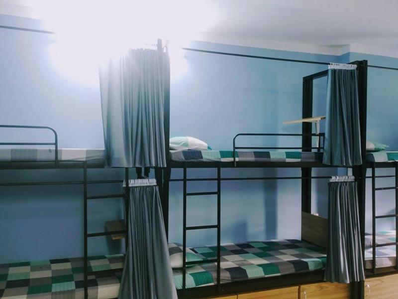 Giường Tầng Sắt Có Rèm Treo, Tủ Đựng Đồ