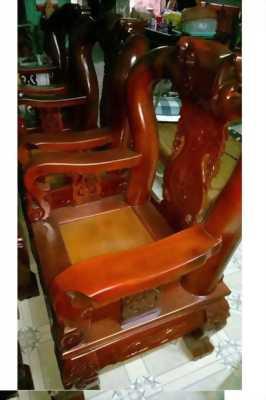 Bán bộ bàn ghế (7 món) siêu rẻ,đẹp,sang cho mọi người