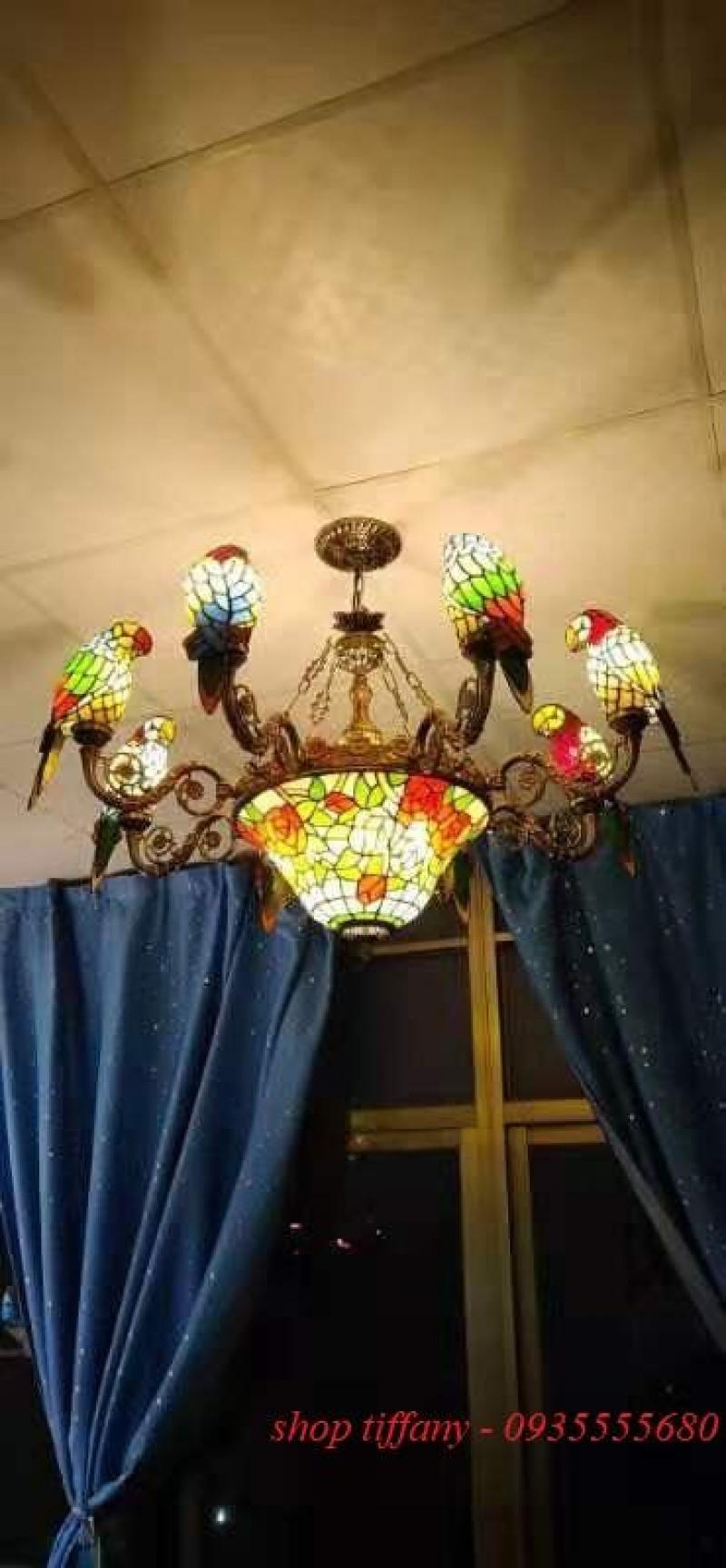 Đèn chùm tiffany 8 con Vẹt