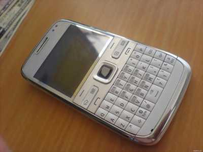 Nokia E72.