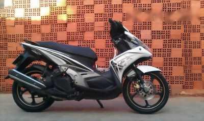Mình cần bán xe Yamaha Nouvo 5 Fi, màu trắng đen, BSTP, 2012