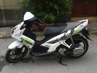 Yamaha Nouvo LX màu trắng tem caro biển HN