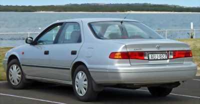 Toyota Camry 2000 GLi (bản 2 túi khí)