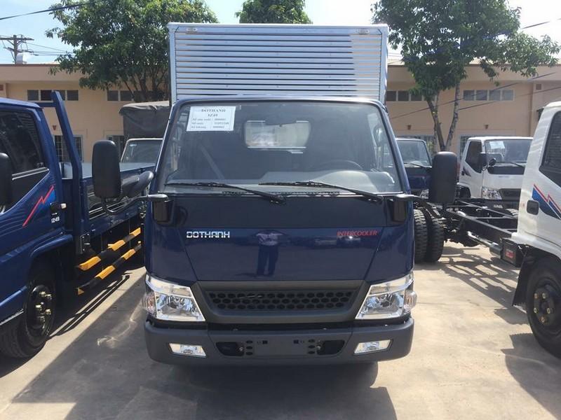 Xe tải huyndai iz49 thùng kín tải trọng 2,4 tấn