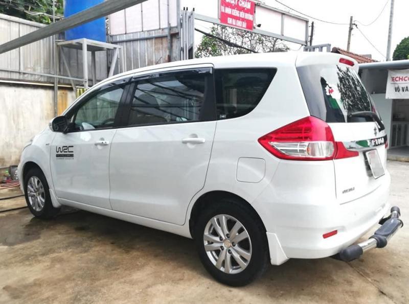 Cần bán Suzuki eartiga 2017, số tự động, màu trắng, nhập khẩu