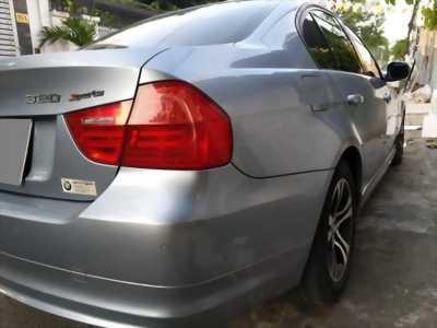 Cần bán BMW 320i số tự động 2011