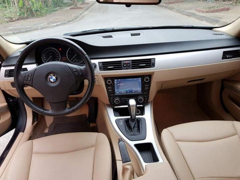 Gia đình cần bán xe Bmw 320i, sản xuất 2011, số tự động, màu xám xanh riêu