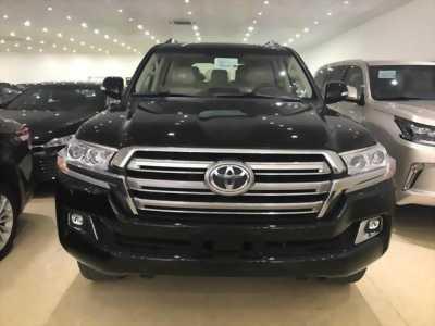 Bán Toyota Land Cruiser 4.6V8 Nhật Bản màu đen nội thất kem xe mới 100%
