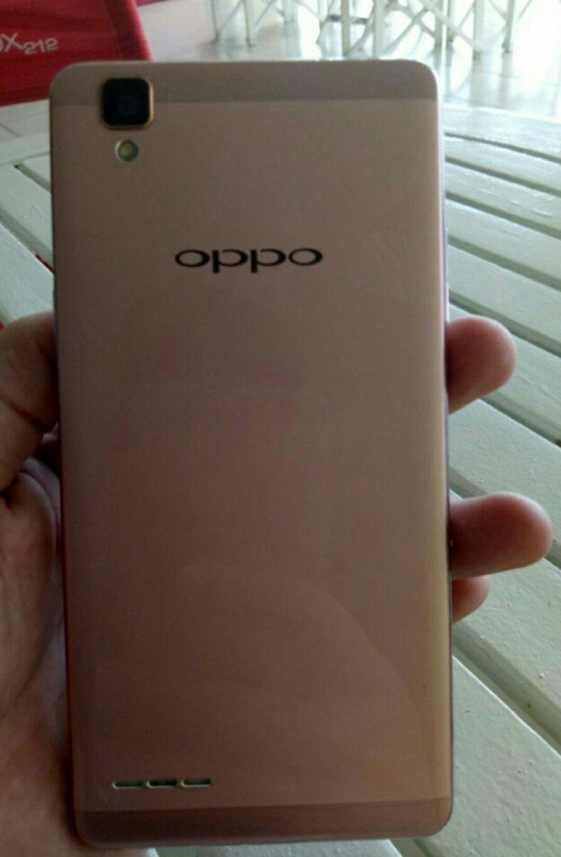 Cần bán Oppo F3 ít trầy còn bảo hành