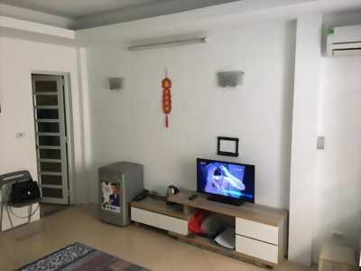 Cho thuê nhà đầy đủ tiện nghi tại Đê La Thành - Ô Chợ Dừa.