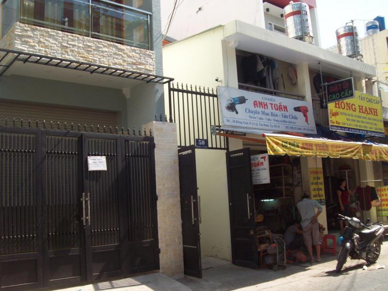 Phòng trọ Quận Tân Bình, Phường 13, gần Etown, chợ Hoàng Hoa Thám, có gác lửng, không chung chủ