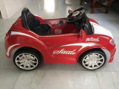 Xe ô tô điện dành cho trẽ em .