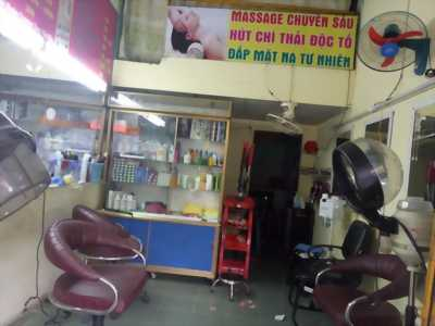 Sang tiệm tóc nữ