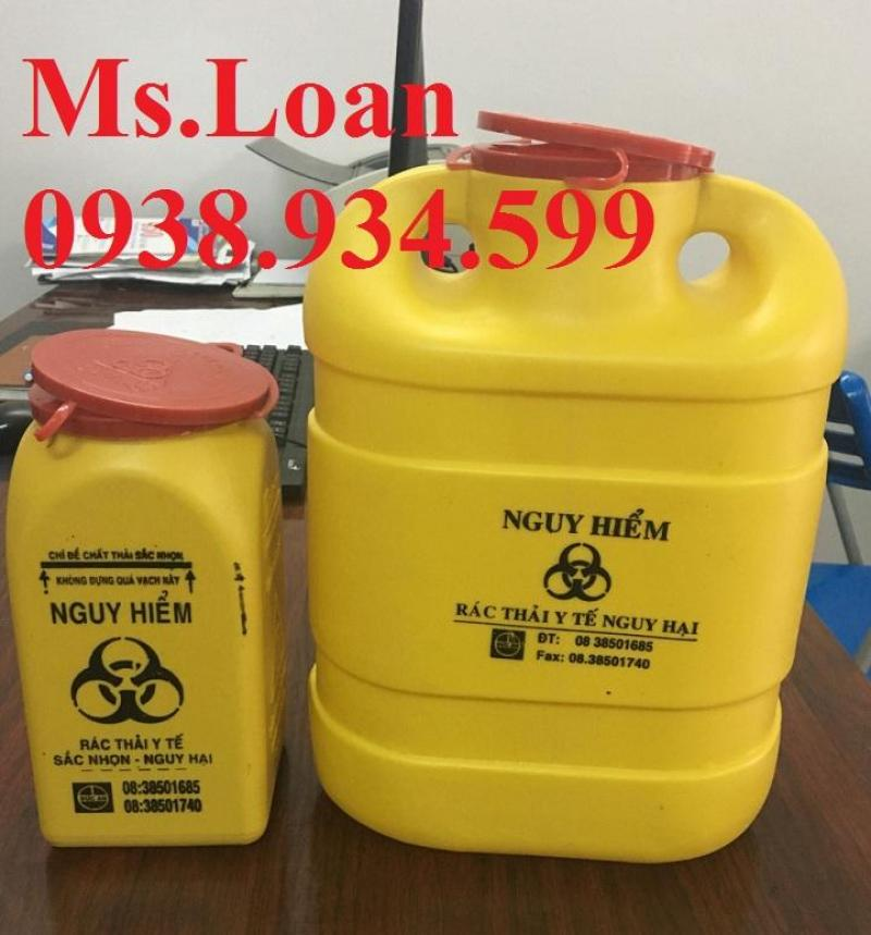 xô đựng bông băng y tế bẩn trên xe tiêm 15 lít,thùng rác nắp lật trên xe tiêm 5 lít