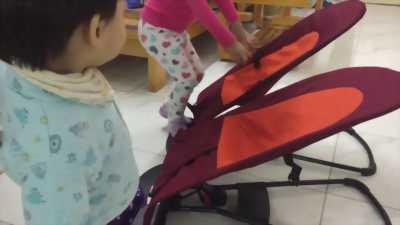 Ghế rung - ghế nhún cho bé