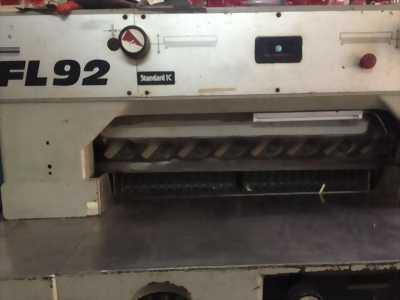 Bán máy cắt Đức bán tự động khổ 92