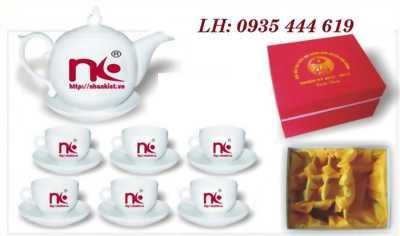 In logo lên bộ ấm trà quà tặng sự kiện tại Huế
