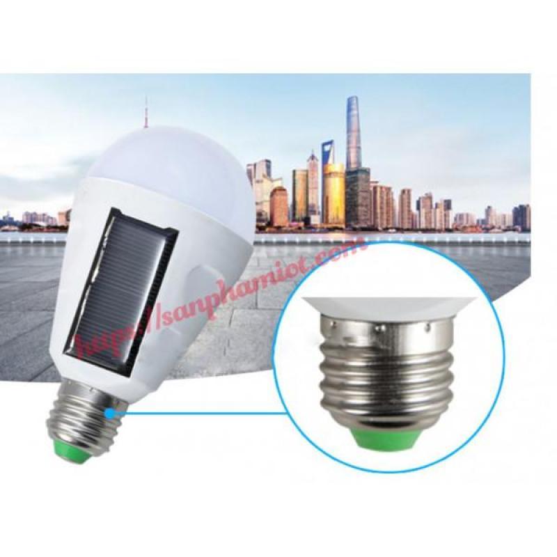 Đèn LED Năng lượng mặt trời tích điện