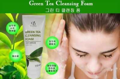 Sữa rửa mặt tinh chất Trà Xanh CCDO Hàn Quốc