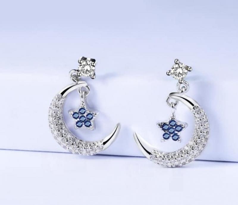 Hoa tai mặt trang và ngôi sao đính đá xanh dương