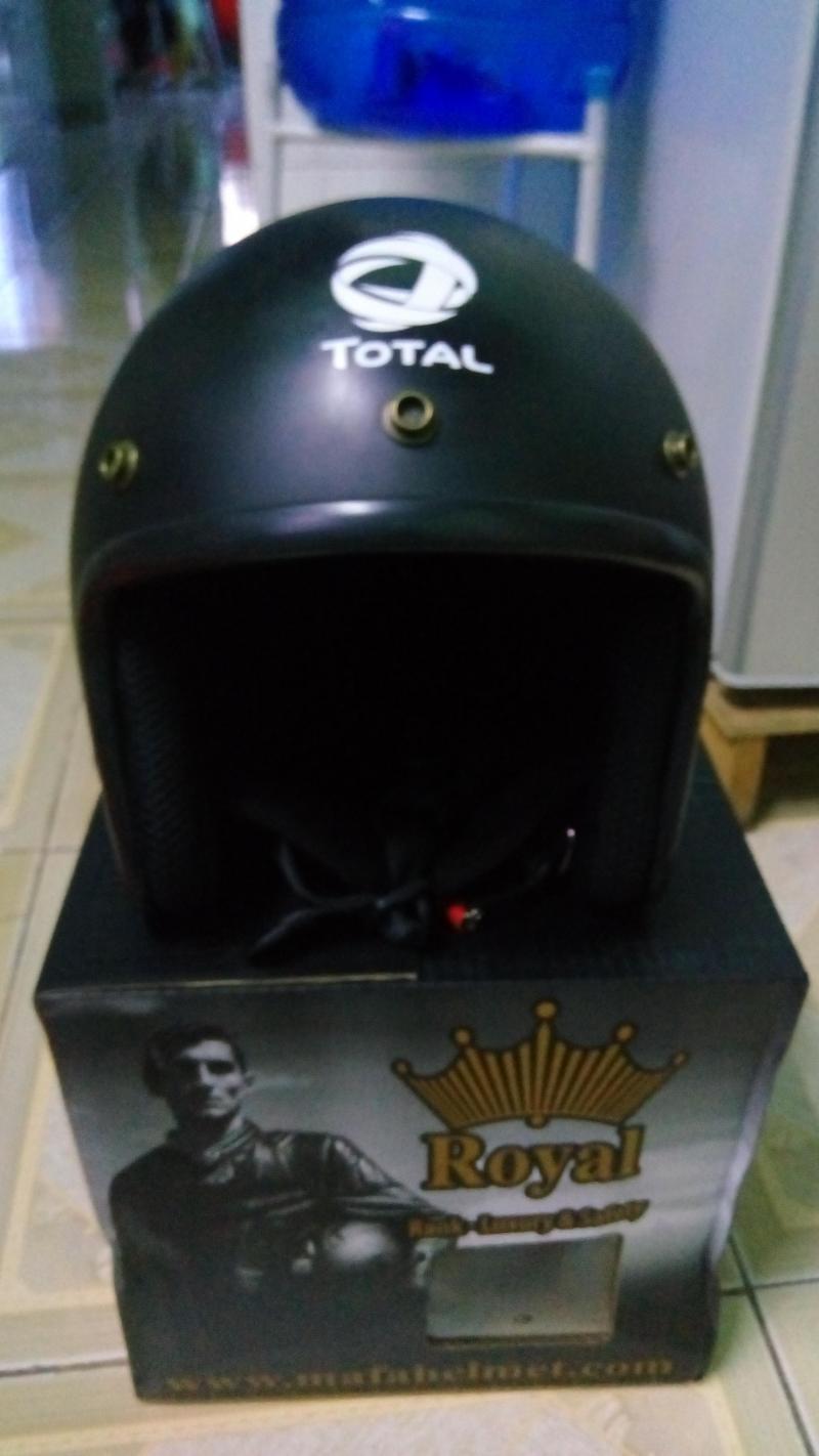 Mũ bảo hiểm 3/4 Royal đen giá chỉ 200 ngàn