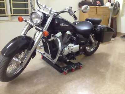 Hỗ trợ nâng, quay xe moto trong nhà