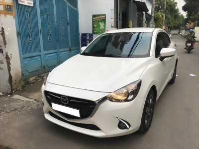 Lên sóng em Mazda 2 model 2017 đk 2018 số tự động màu trắng Ngọc Trinh