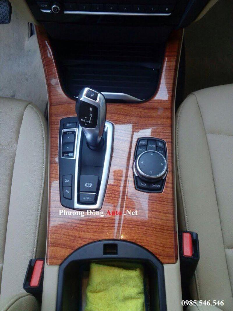 Vân gỗ các dòng xe ô tô chuyên nghiệp