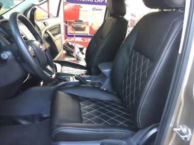 Bọc ghế da công nghiệp Singapore cho xe Ford Ranger | Quả trám cho ghế
