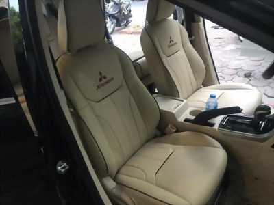 Bọc ghế da trơn công nghiệp Singapore cho xe Xpander