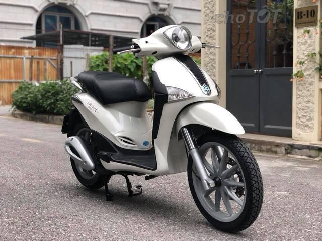 Piaggio Liberty nhập khẩu màu trắng đăng kí 2012 huyện phú giáo