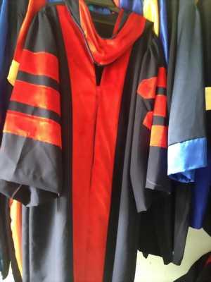 xưởng nhận may lễ phục tốt nghiệp cử nhân