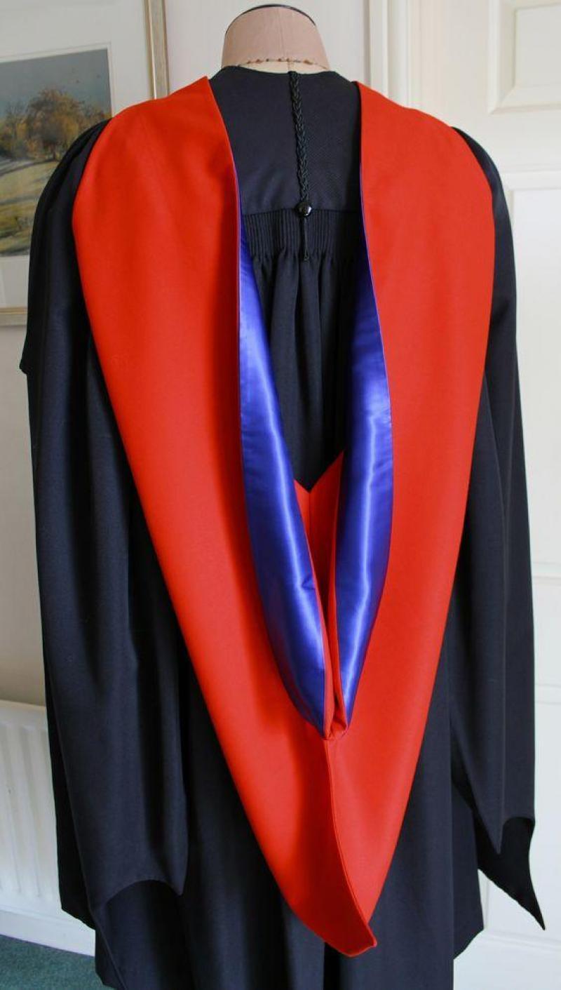 xưởng cho thuê áo tốt nghiệp, áo cử nhân, nón tốt nghiệp
