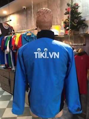 đơn vị may áo gió đồng phục Tiki chất lượng