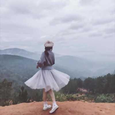 Cần bán chân váy tutu trắng, mang đúng 1 lần