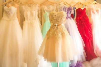Cần sang áo cưới, phụ kiện cưới hỏi