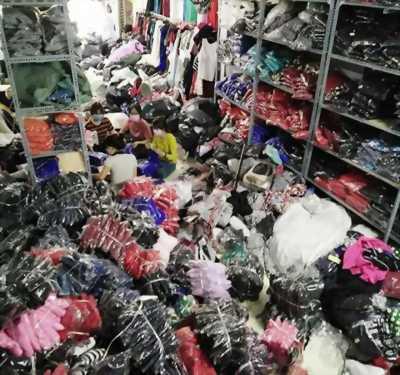 Thanh lý lô hàng quần áo giá mềm