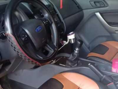 Mình cần bán Ford Ranger 2.2 XLS 2016 máy dầu số sàn màu Trắng