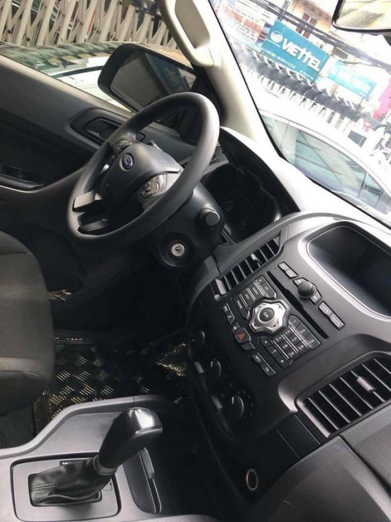 Cần bán xe Ford Ranger xls 2016 tại HCM