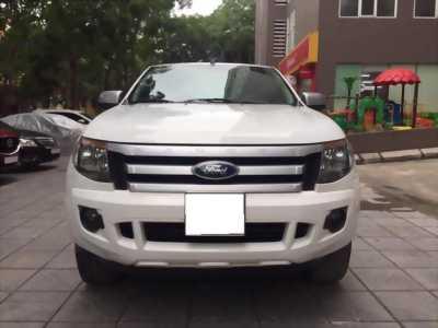 Cần bán xe Ranger XLS 2016, số sàn, máy dầu, màu trắng