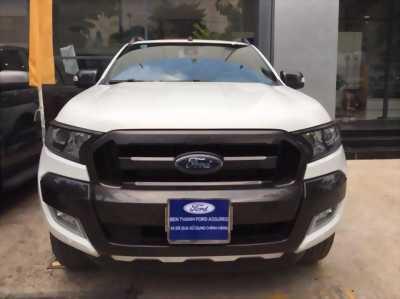 Bán Ford Ranger Wildtrak 3.2L màu Trắng 2015, giá HOT.