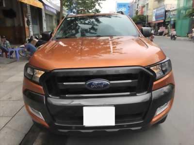 Cần bán Ford Ranger Wildtrack 2015 bản 3.2 số tự động