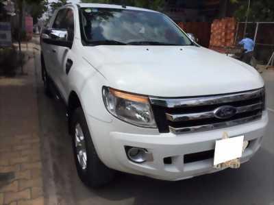 Bán xe Ford Ranger XLT 2014  màu trắng. Xe số sàn