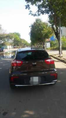Bán chiếc Kia Rio Hatback đời 2016 nhập khẩu nguyên chiếc, xe mới 99%